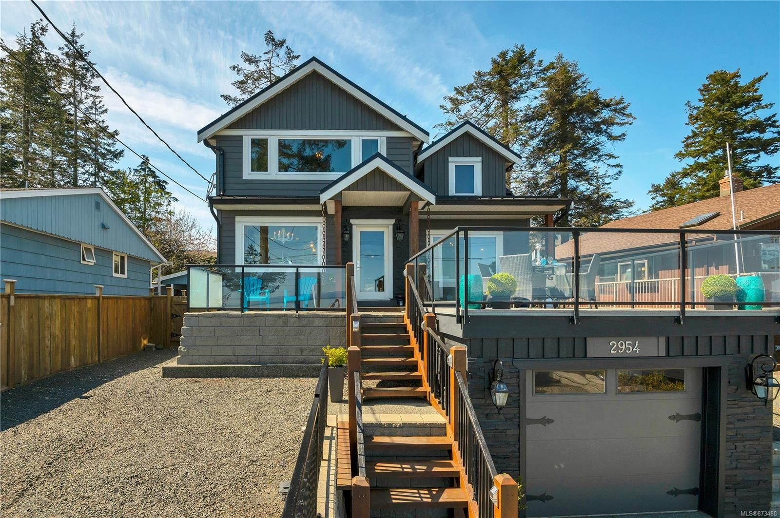 Main Photo: 2954 S Island Hwy in : CR Willow Point House for sale (Campbell River)  : MLS®# 873488
