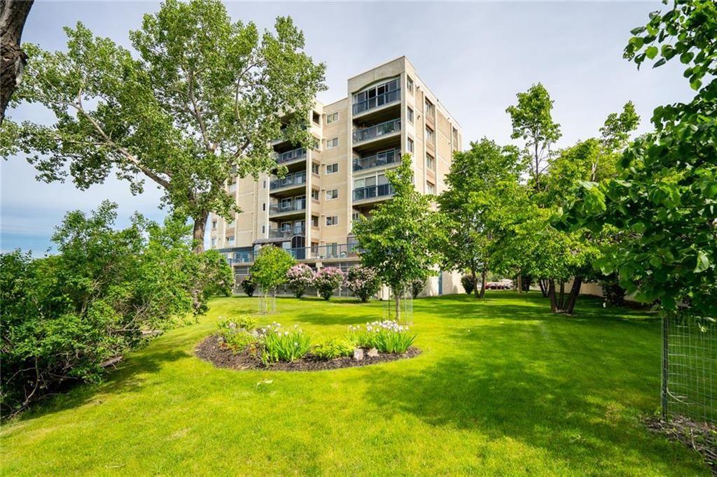 Main Photo: 406 2680 Portage Avenue in Winnipeg: Woodhaven Condominium for sale (5F)  : MLS®# 202013902