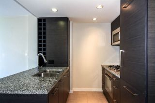 """Photo 5: 1907 833 HOMER Street in Vancouver: Downtown VW Condo for sale in """"ATELIER"""" (Vancouver West)  : MLS®# R2067914"""