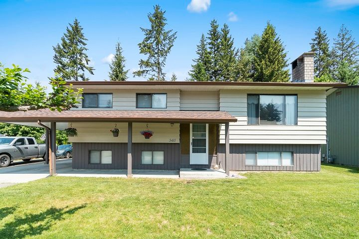 Main Photo: 3411 Southeast 7 Avenue in Salmon Arm: Little Mountain House for sale : MLS®# 10185360