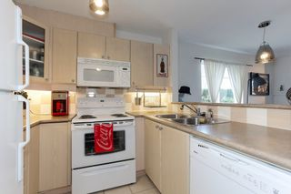 """Photo 7: 105 5600 ANDREWS Road in Richmond: Steveston South Condo for sale in """"THE LAGOONS"""" : MLS®# R2246426"""