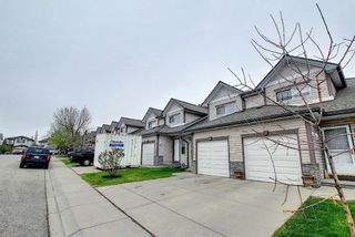 Photo 3: 121 Millview Square SW in Calgary: Millrise Row/Townhouse for sale : MLS®# A1112909