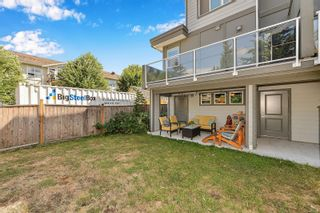 Photo 3: 102 944 DUNFORD Ave in : La Langford Proper Row/Townhouse for sale (Langford)  : MLS®# 850487
