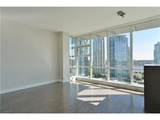 Photo 3: 1806 638 Beach Crescent in Vancouver: Yaletown Condo for sale (Vancouver West)  : MLS®# V1079346