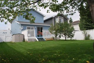 Main Photo: 12 Woodside Circle NW: Airdrie Detached for sale : MLS®# A1106357
