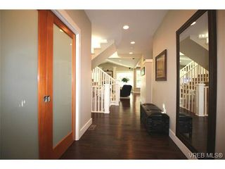 Photo 2: 2188 Harrow Gate in VICTORIA: La Bear Mountain House for sale (Langford)  : MLS®# 696440