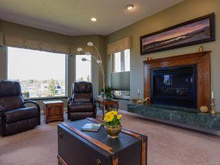 Photo 5: 1417 SABRE Court in COMOX: CV Comox (Town of) House for sale (Comox Valley)  : MLS®# 806934