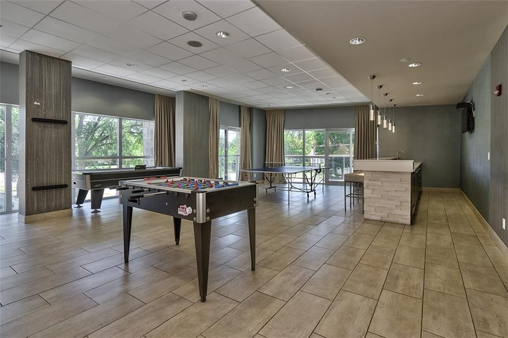 Photo 17: Photos: 402 551 Maple Avenue in Burlington: Condominium for lease : MLS®# H4063114