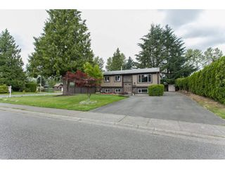 Photo 2: 26649 32A AVENUE in Langley: Aldergrove Langley House for sale : MLS®# R2082354