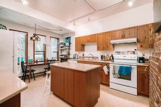 Photo 5: 1719 COLLINGWOOD Street in Vancouver: Kitsilano House for sale (Vancouver West)  : MLS®# R2595778