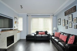 """Photo 2: 32 1295 SOBALL Street in Coquitlam: Burke Mountain Townhouse for sale in """"TYNERIDGE"""" : MLS®# R2159792"""