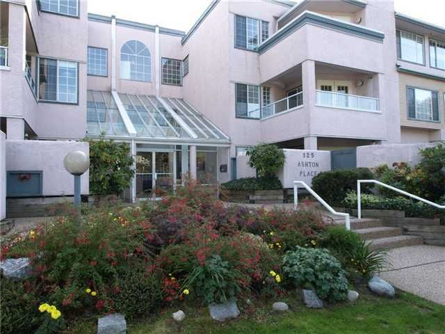 FEATURED LISTING: 209 - 125 18TH Street West North Vancouver