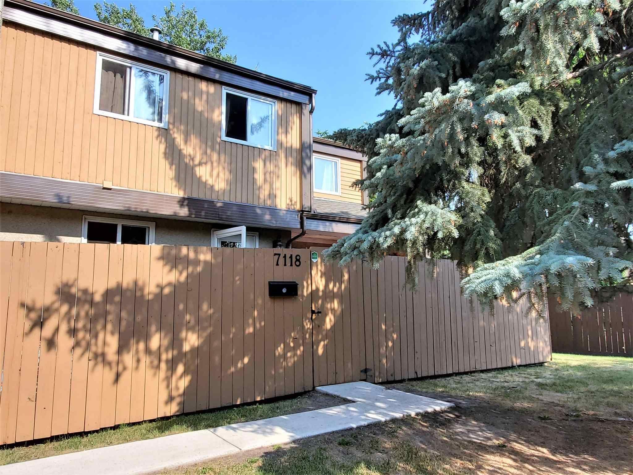 Main Photo: 7118 178 Street in Edmonton: Zone 20 Townhouse for sale : MLS®# E4253890