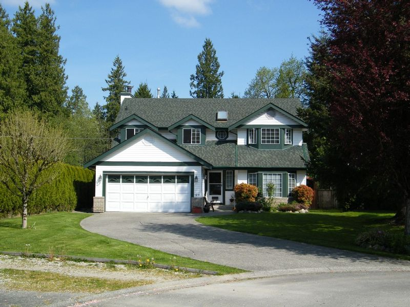 FEATURED LISTING: 20833 95A Avenue Langley
