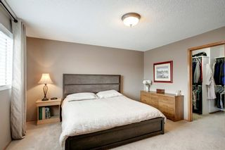 Photo 17: 260 Douglasbank Place SE in Calgary: Douglasdale/Glen Detached for sale : MLS®# A1042919