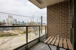 """Photo 8: 305 1919 WYLIE Street in Vancouver: False Creek Condo for sale in """"Maynards Block"""" (Vancouver West)  : MLS®# R2589947"""