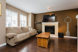 "Photo 3: 89 12711 64 Avenue in Surrey: West Newton Townhouse for sale in ""Pallette On The Park"" : MLS®# R2216923"