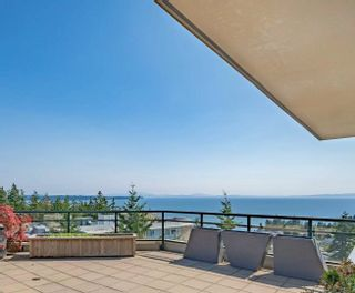"""Photo 15: 1102 14824 NORTH BLUFF Road: White Rock Condo for sale in """"BELAIRE"""" (South Surrey White Rock)  : MLS®# R2604497"""