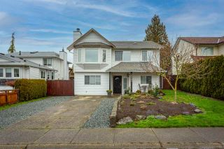 Photo 3: 26593 28 Avenue in Langley: Aldergrove Langley House for sale : MLS®# R2526387