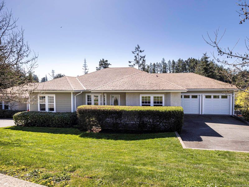 FEATURED LISTING: 15 - 315 Six Mile Rd View Royal