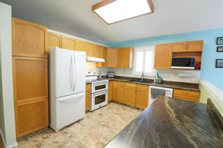 Photo 9: 40 Outhwaite Street in Winnipeg: Harbour View South Residential for sale (3J)  : MLS®# 202113486