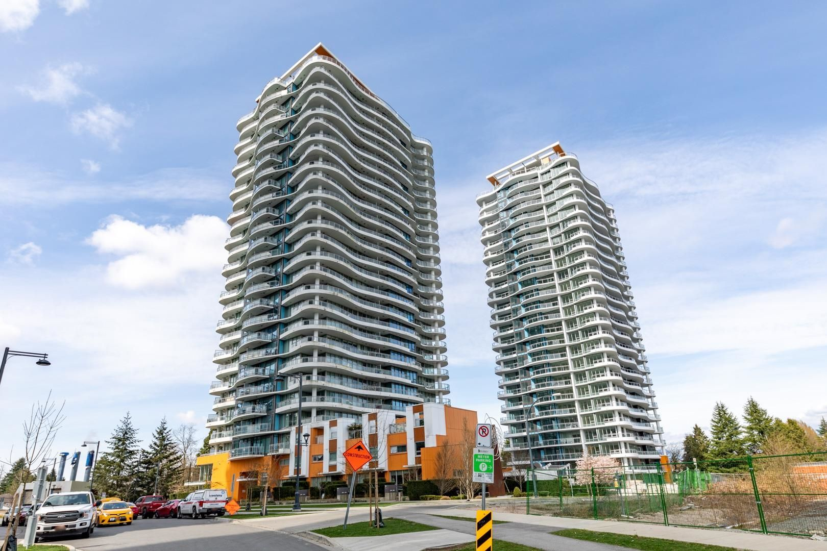 """Main Photo: TH3 13303 CENTRAL Avenue in Surrey: Whalley Condo for sale in """"THE WAVE"""" (North Surrey)  : MLS®# R2614892"""