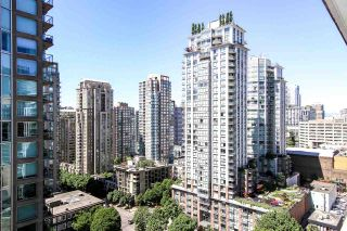 """Photo 10: 1907 833 HOMER Street in Vancouver: Downtown VW Condo for sale in """"ATELIER"""" (Vancouver West)  : MLS®# R2067914"""