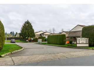 """Photo 2: 106 2844 273 Street in Langley: Aldergrove Langley Townhouse for sale in """"Chelsea Court"""" : MLS®# R2039587"""