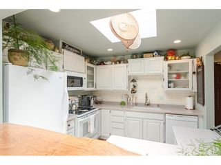 """Photo 10: 304 14950 THRIFT Avenue: White Rock Condo for sale in """"The Monterey"""" (South Surrey White Rock)  : MLS®# R2526137"""