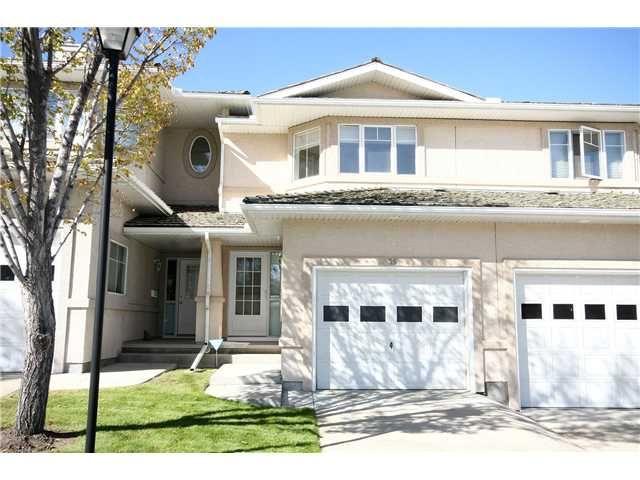 Main Photo: 35 EDGERIDGE Terrace NW in CALGARY: Edgemont Townhouse for sale (Calgary)  : MLS®# C3540681