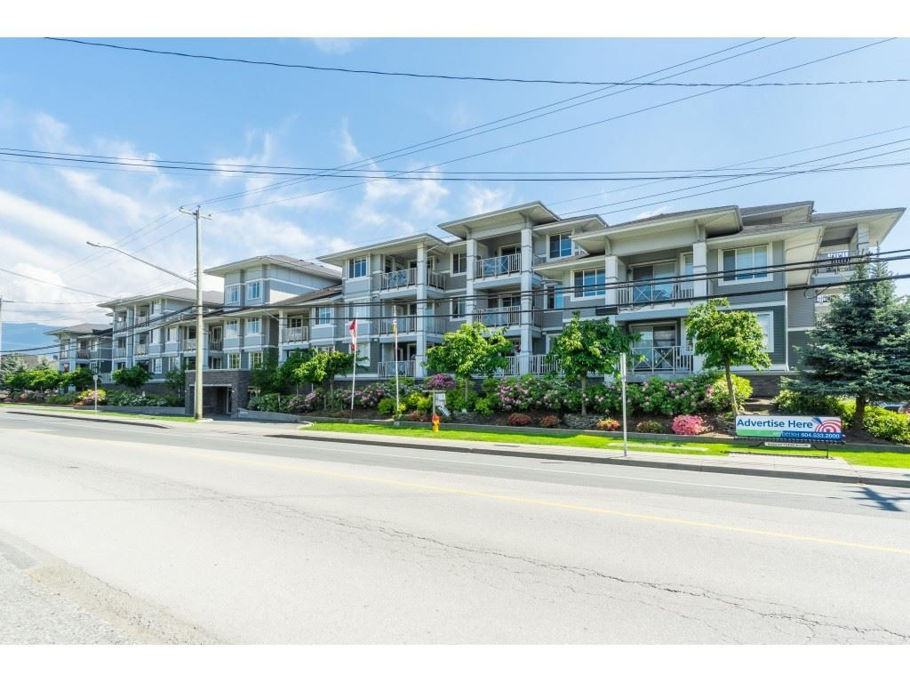 "Main Photo: 114 46262 FIRST Avenue in Chilliwack: Chilliwack E Young-Yale Condo for sale in ""The Summit"" : MLS®# R2456809"