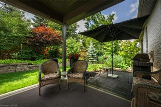 Photo 3: 15 696 W COMMISSIONERS Road in London: South M Residential for sale (South)  : MLS®# 40168772