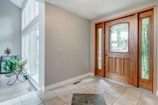 Photo 3: 71 Edgeland Road NW in Calgary: Edgemont Detached for sale : MLS®# A1127577