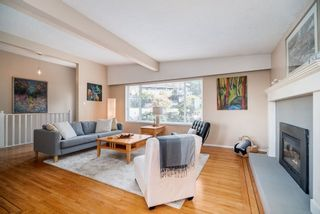 "Photo 2: 2023 HYANNIS Drive in North Vancouver: Blueridge NV House for sale in ""BLUERIDGE"" : MLS®# R2356994"