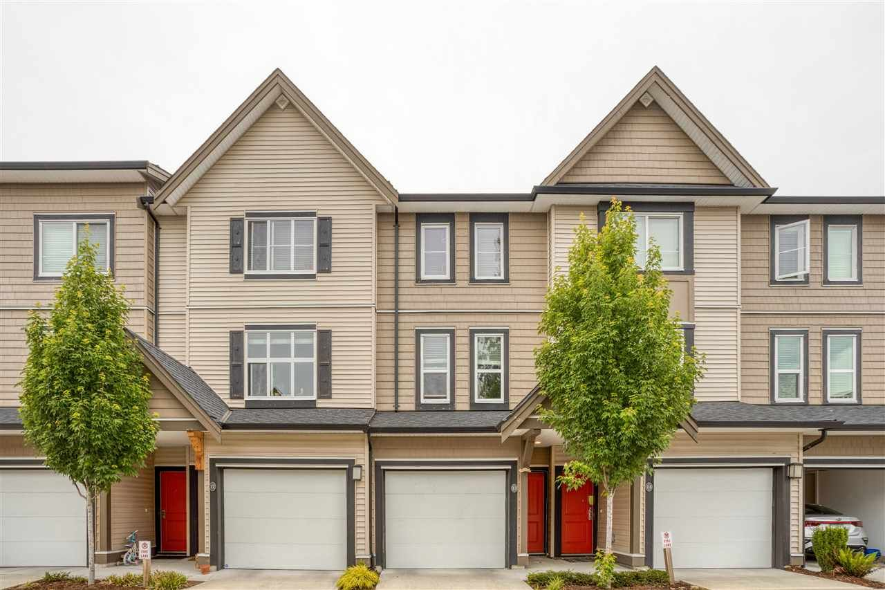 """Main Photo: 13 14555 68 Avenue in Surrey: East Newton Townhouse for sale in """"Sync"""" : MLS®# R2593338"""