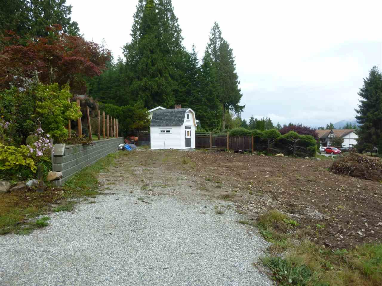 Main Photo: 6157 FAIRWAY Avenue in Sechelt: Sechelt District Land for sale (Sunshine Coast)  : MLS®# R2510136
