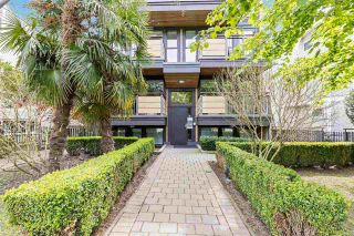 "Photo 1: 301 2436 W 4TH Avenue in Vancouver: Kitsilano Condo for sale in ""The Pariz"" (Vancouver West)  : MLS®# R2575423"
