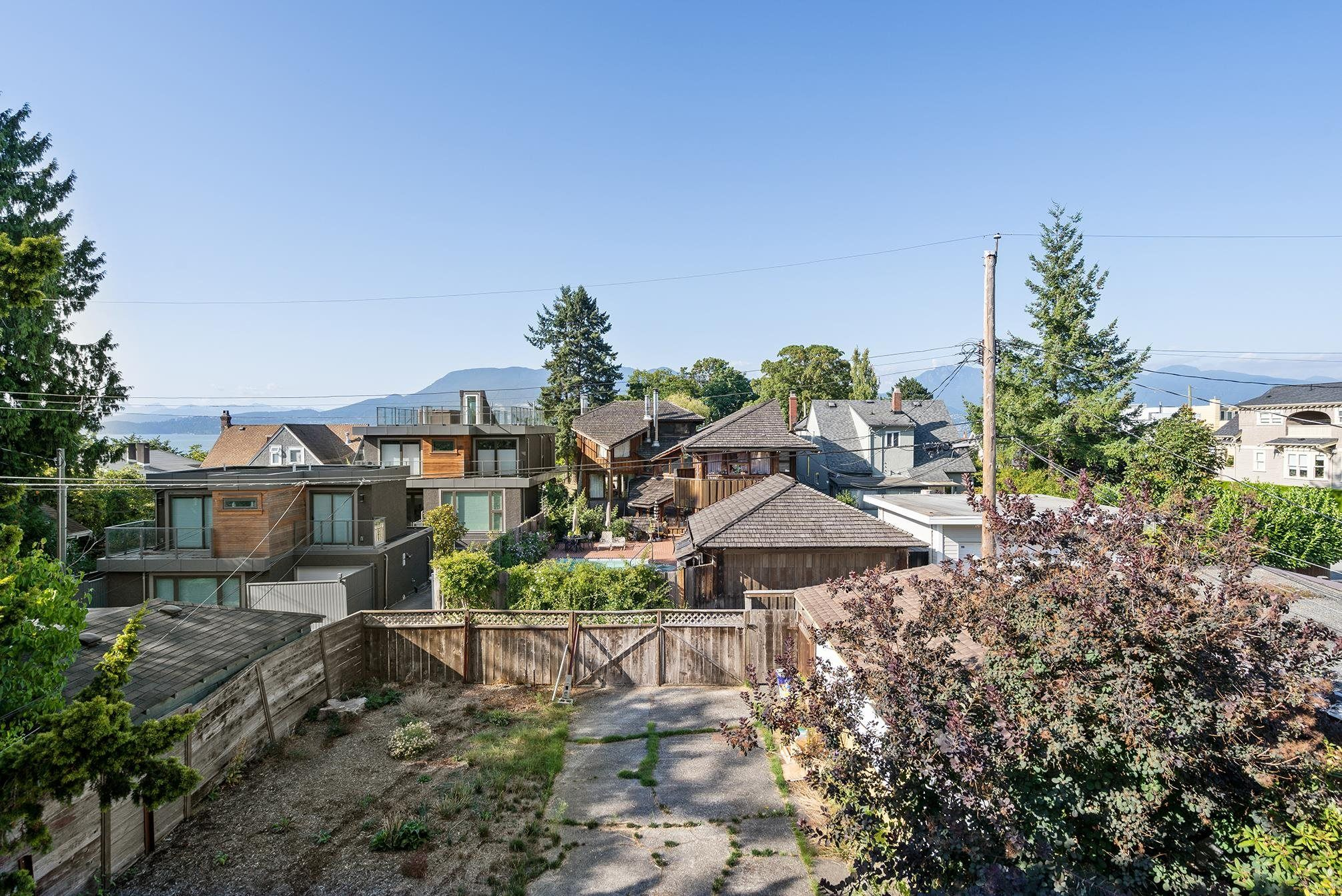 Main Photo: 3719 W 1ST Avenue in Vancouver: Point Grey House for sale (Vancouver West)  : MLS®# R2619342