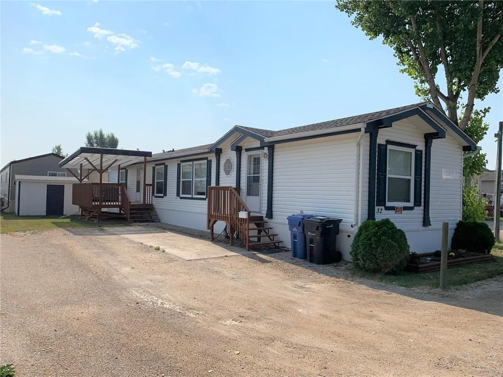 Main Photo: 32 74 Triangle Road in Dauphin: Southeast Residential for sale (R30 - Dauphin and Area)  : MLS®# 202118416