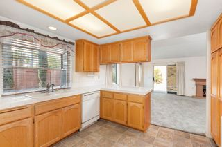 Photo 5: EL CAJON House for sale : 3 bedrooms : 9242 Lake Valley Rd