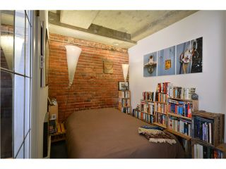 """Photo 5: 404 27 ALEXANDER Street in Vancouver: Downtown VE Condo for sale in """"THE ALEXIS AND ALEXANDER"""" (Vancouver East)  : MLS®# V955790"""