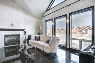 Photo 4: 1980 Sirocco Drive SW in Calgary: Signal Hill Detached for sale : MLS®# A1092008