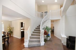 Photo 3: 119 Aspenwood Drive in Port Moody: Heritage Woods PM House for sale : MLS®# R2198646