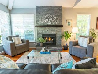 Photo 2: 3223 NORWOOD AVENUE in North Vancouver: Upper Lonsdale House for sale : MLS®# R2207603