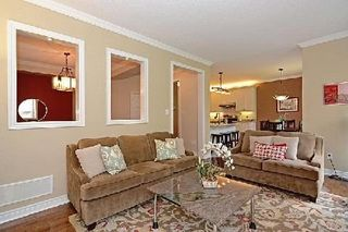 Photo 8: 10 Wintam Place in Markham: Victoria Square House (2-Storey) for sale : MLS®# N2926011
