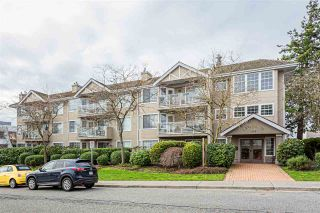 "Photo 1: 105 1369 GEORGE Street: White Rock Condo for sale in ""CAMEO TERRACE"" (South Surrey White Rock)  : MLS®# R2435625"