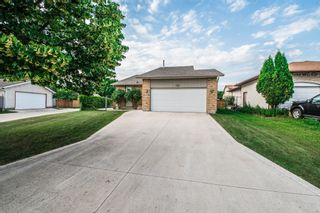 Photo 2: 102 Mount Auburn Bay in Winnipeg: Meadows West Single Family Detached for sale (4L)  : MLS®# 1718328