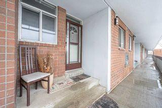 Photo 3: 302 135 Leeward Glenway Street in Toronto: Flemingdon Park Condo for sale (Toronto C11)  : MLS®# C5127058