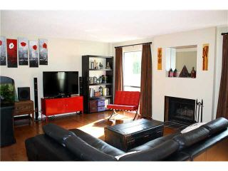 """Photo 2: 7506 WESTBANK Place in Vancouver: Champlain Heights Townhouse for sale in """"PARKLANE"""" (Vancouver East)  : MLS®# V916268"""