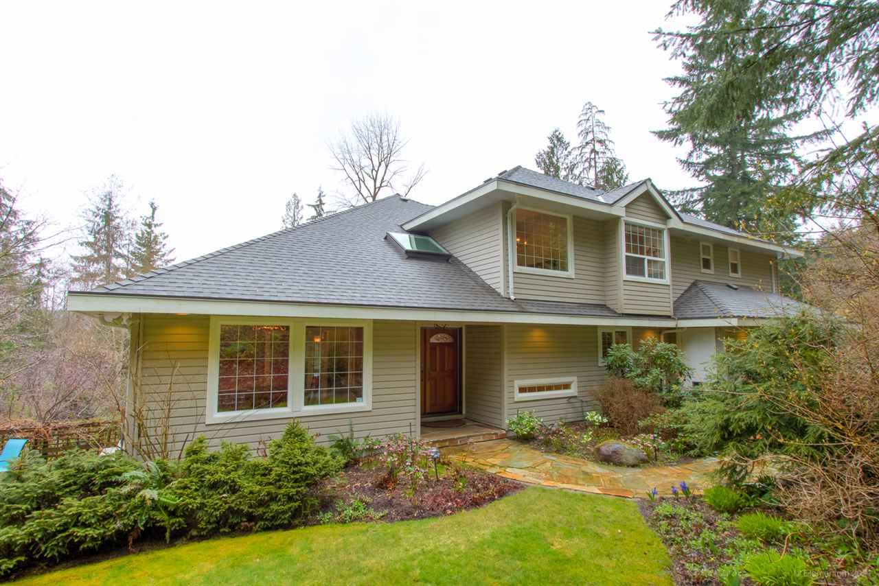 Main Photo: 260 ALPINE Drive: Anmore House for sale (Port Moody)  : MLS®# R2562585